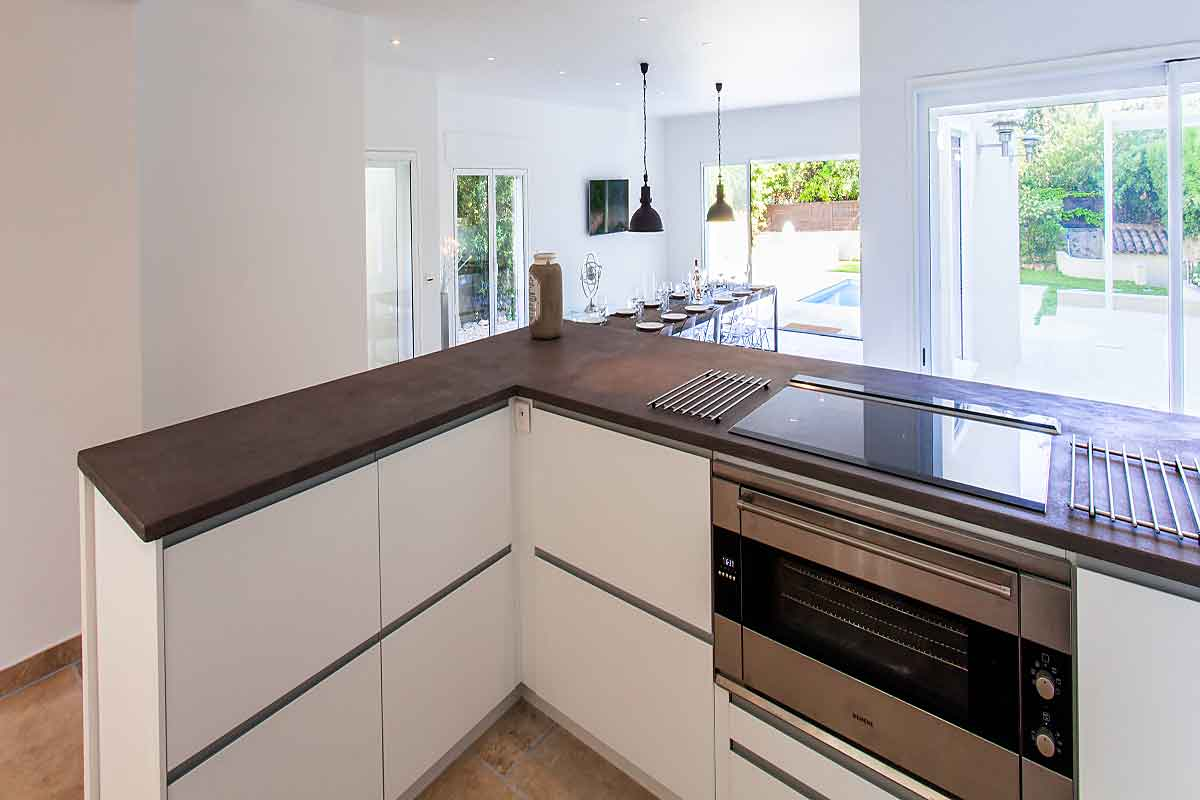 Cannes vacation Villa for 16 with sea views