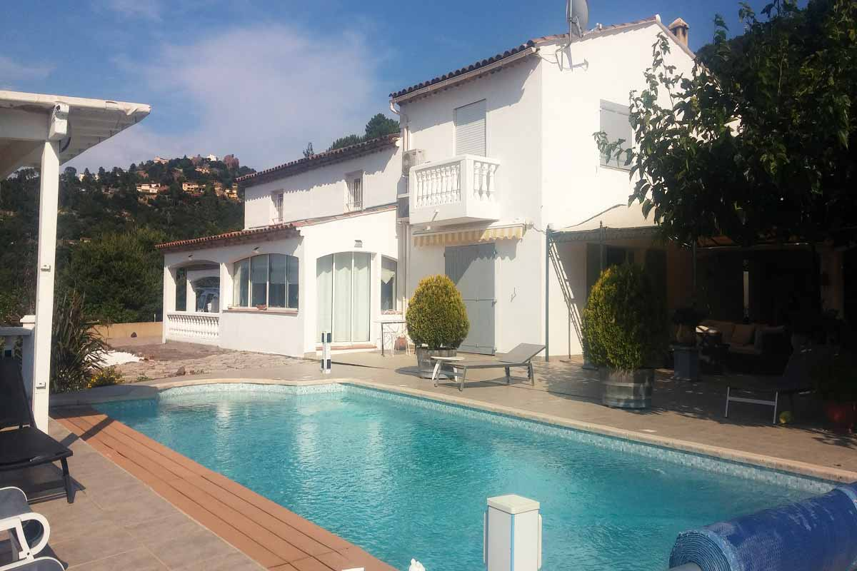 Cote d'Azur family rental pool