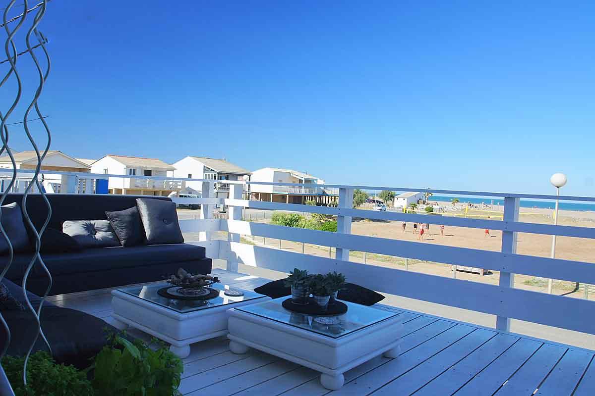 Plage Des Chalets A Gruissan languedoc beach villa, on gruissan plage, 3 bedrooms, terrace.