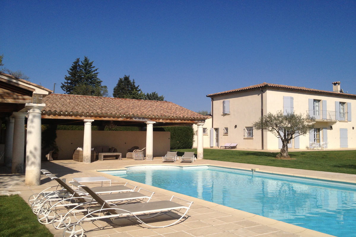 Provence Luxury Holiday Home with Pool to Rent near Uzes.