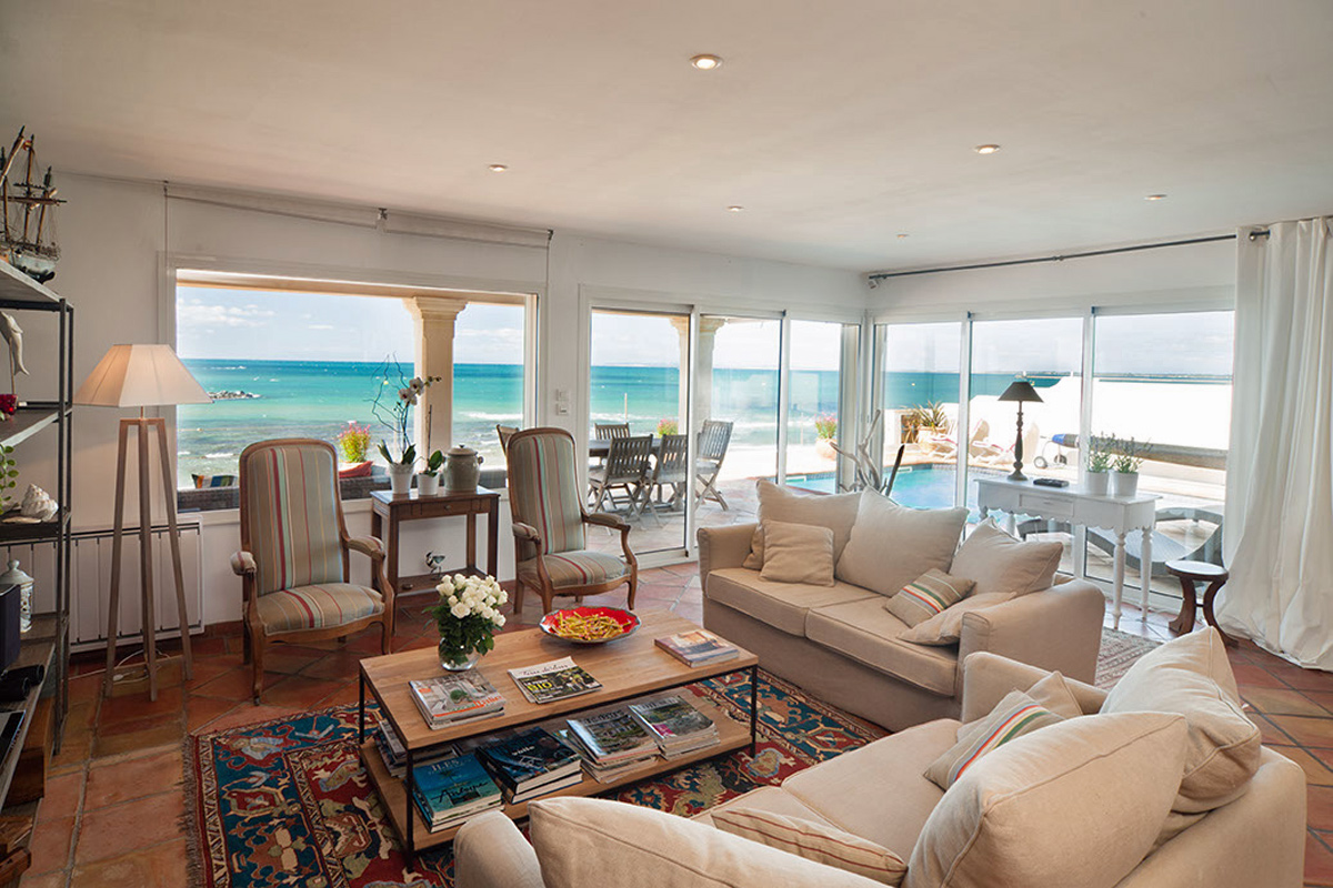 South Of France Beachfront Holiday Home With Heated Pool