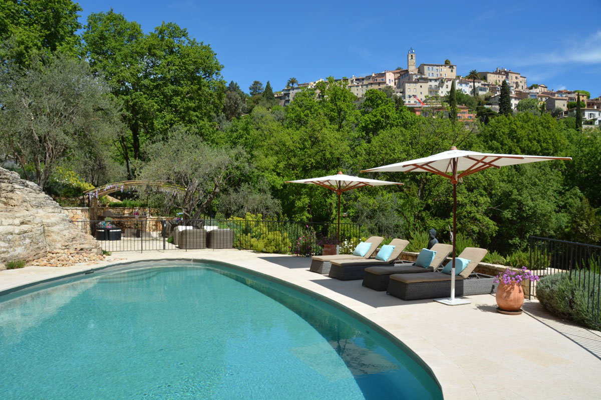 Rent Villa near Grasse for 8 with pool