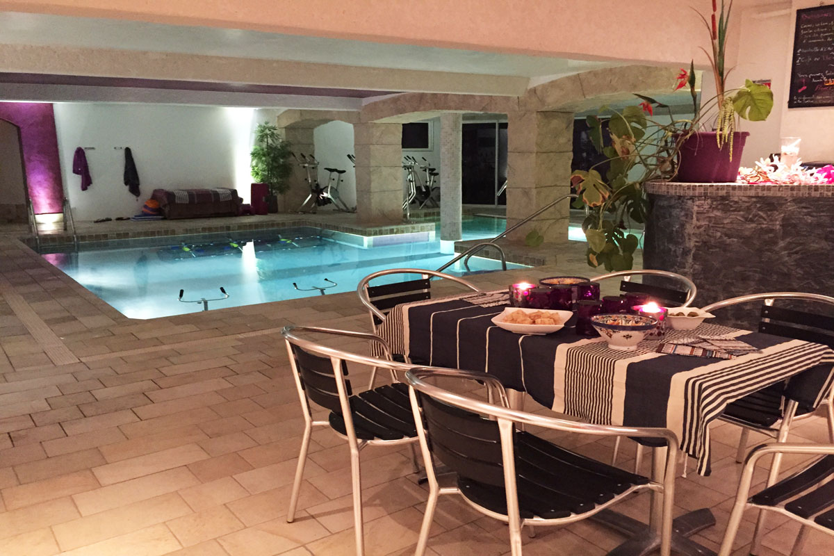 The Indoor Pool And Spa Centre Rental Villa ...