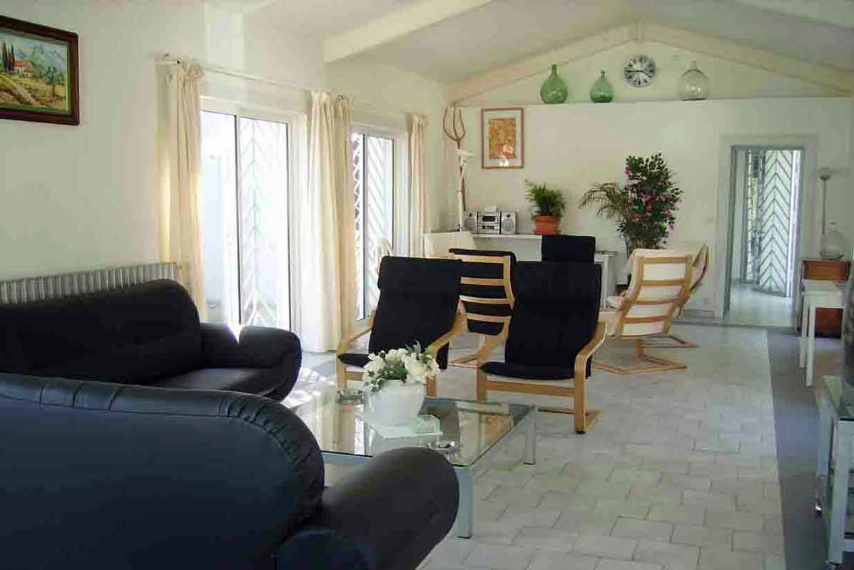 holiday villa south france Nimes
