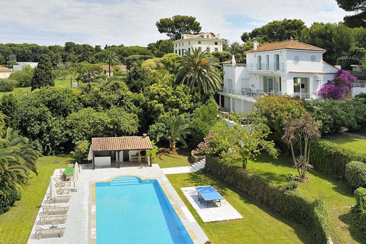 south france villas cote d 39 azur and provence villas. Black Bedroom Furniture Sets. Home Design Ideas