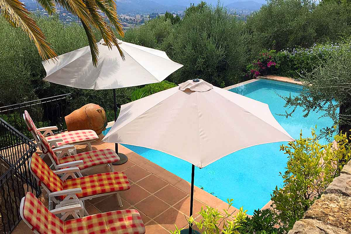 Cote D 39 Azur Holiday Rental Villa With Pool To Rent In Grasse
