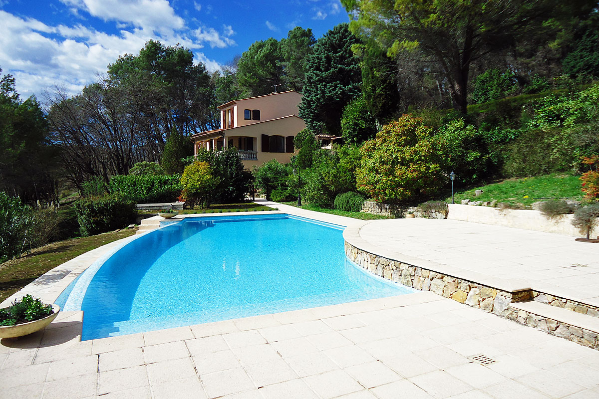 Rent Villa in Cannes