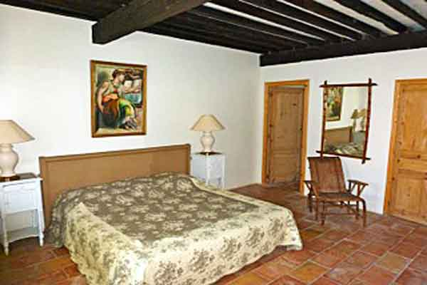 Bedroom 1  - Maison Sophie - Villa to Rent in Provence