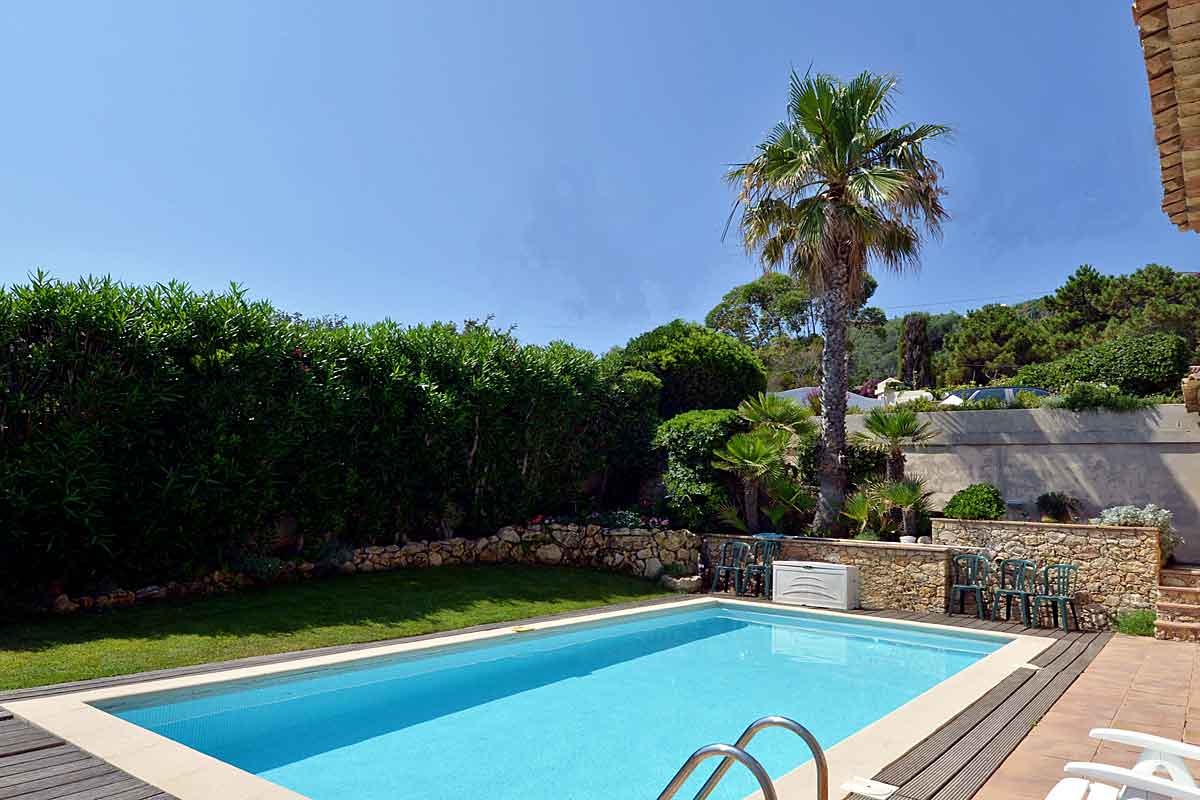 South of France Family Holiday Villa for 8