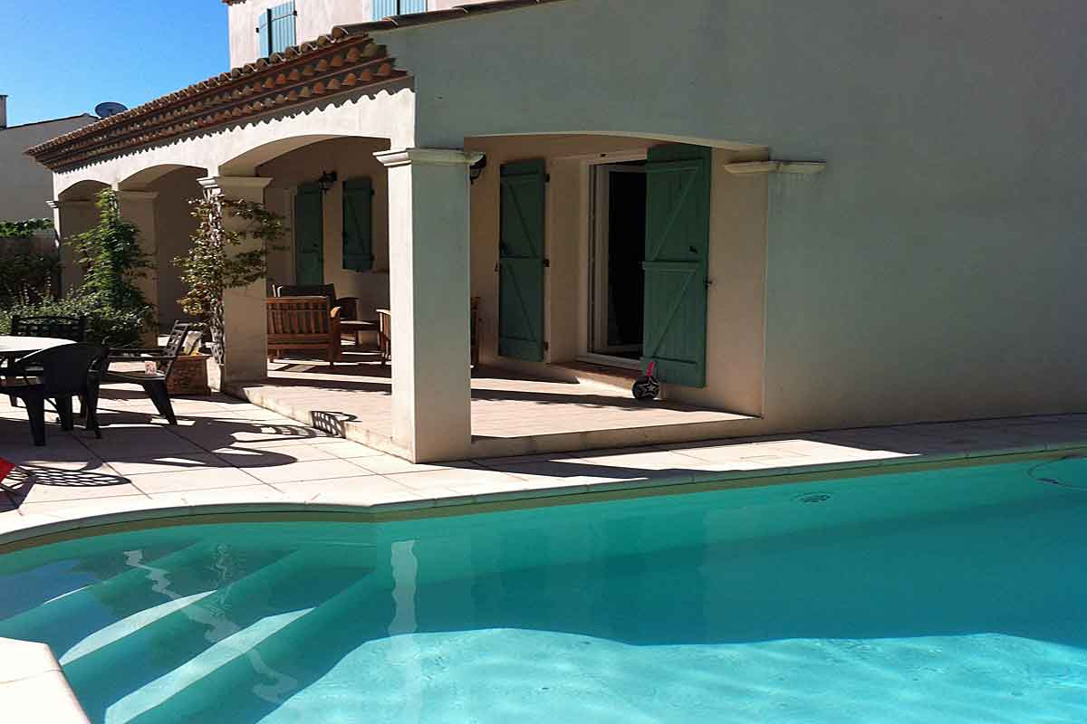 Private Pool Has Roman Steps For Easy Access South Of France Holiday Home  To Rent ...