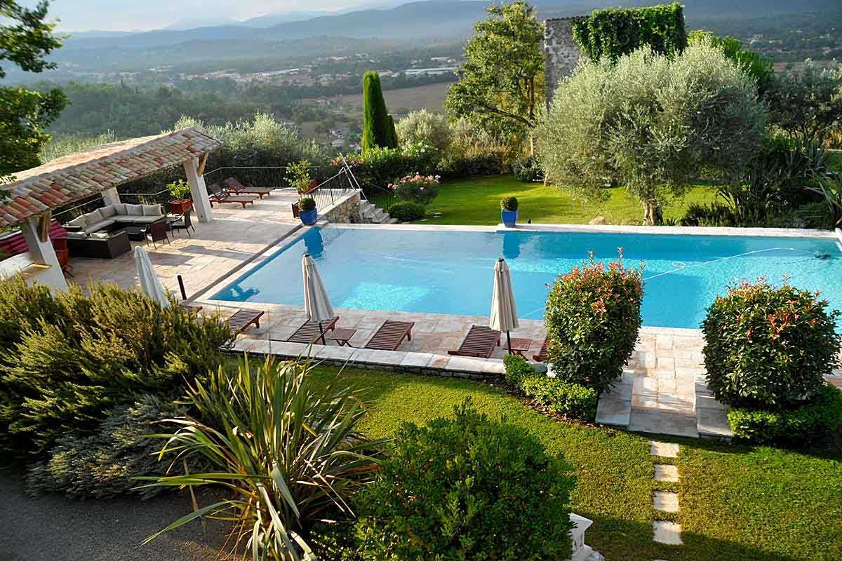 French-Riviera-Rental-sleeps-14
