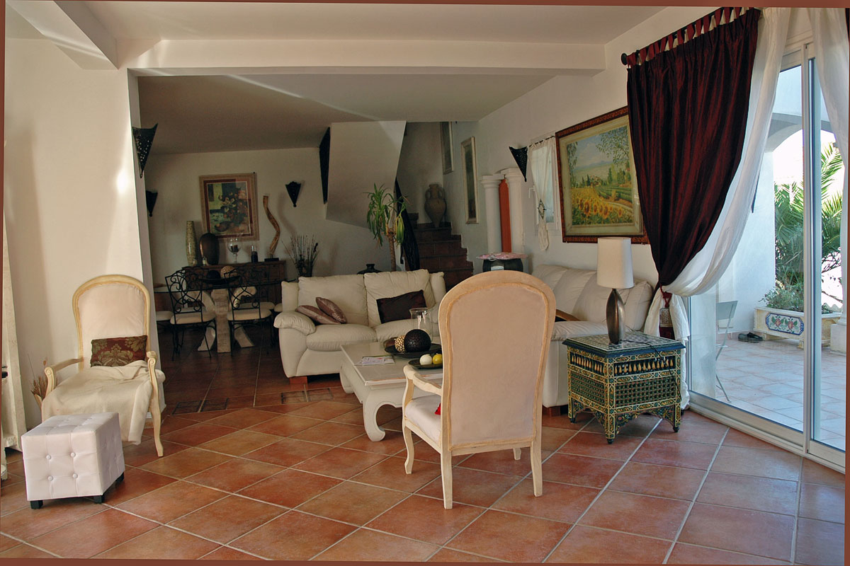 Large Languedoc family holiday villa