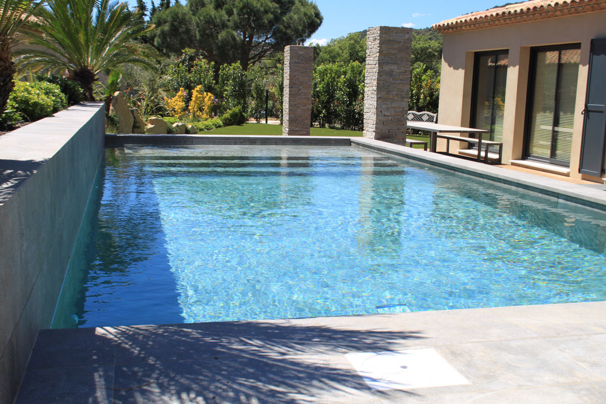 Cote d'Azur Villa to Rent Sleeps 4
